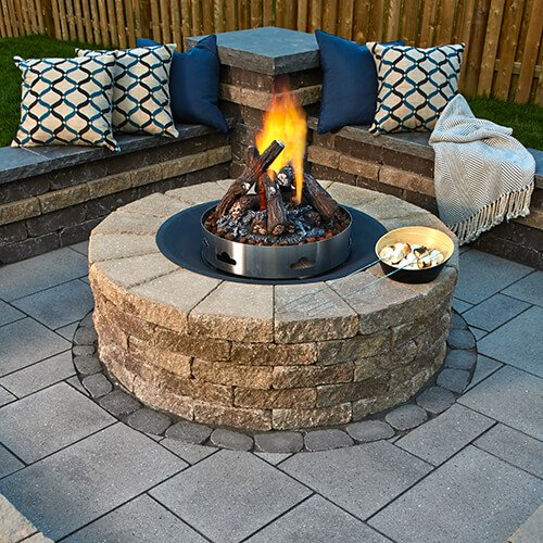 Wondrous Fire Pits And Outdoor Kitchens Techo Bloc Download Free Architecture Designs Lectubocepmadebymaigaardcom