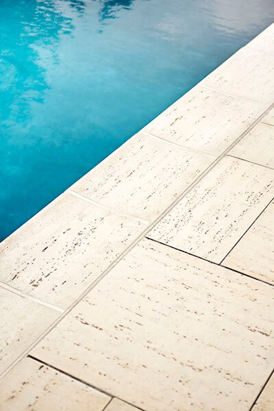 pool coping Bali travertina raw couronnement de piscine A00431 8900